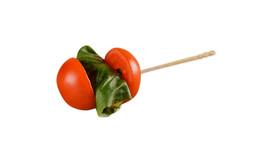 Tomaten-Mozzarella-Spieß & Basilikum (vegetarisch)