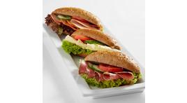 Vollkorn-Baguette-Semmel: mit Schinken, Salami, Käse oder Tomate / Mozzarella