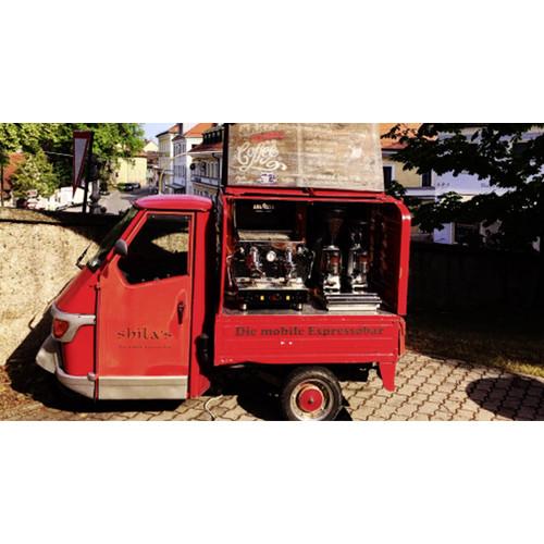 APE mit Siebträger-Kaffeemaschine