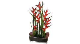 Floristik – Großer Glasquader mit Heliconia und Schachtelhalm