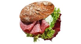 Vinschgerl-Sandwich - Edelsalami & Frischkäse