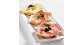 Halbe Semmel I: mit Schinken, Salami oder Käse